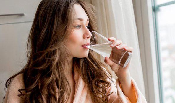 Boire trop d'eau : est-ce bon ou mauvais pour la santé ?