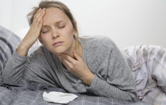 Mieux comprendre le mal de gorge, ses diverses formes et traitements
